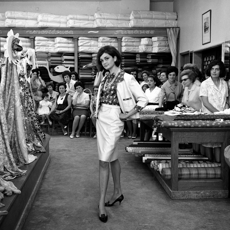 Dimitris Letsios, <em>Koutsinas store fashion show</em><br>© Dimitris Letsios Archive / Thessaloniki Museum of Photography