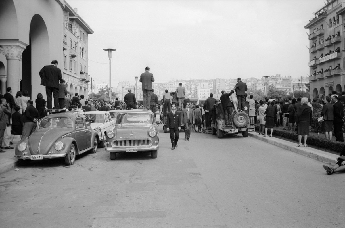 Yannis Stylianou, <em>Snapshot at the parade</em><br>© Yannis Stylianou Archive / Thessaloniki Museum of Photography
